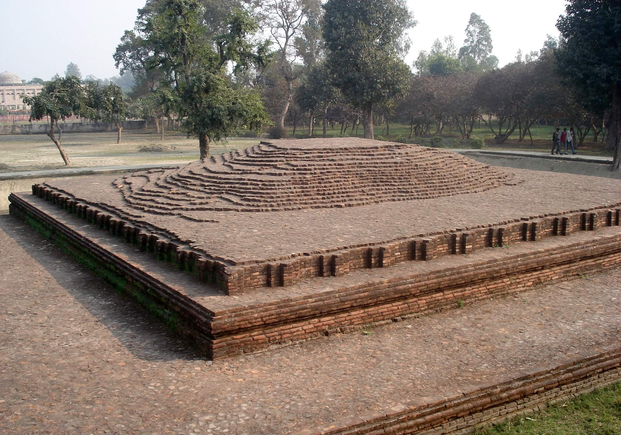 Buddha's body was kept at this location for one week, after he attained Parinirvana Kusinagara